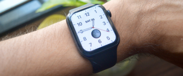 Apple-Watch-With-new-Watch-Face.png