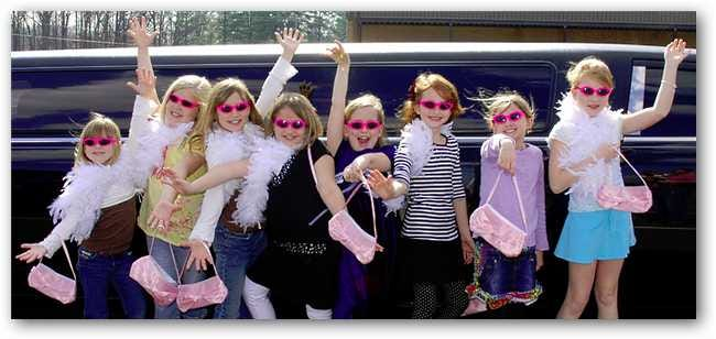 girls-ready-to-ride-in-limo