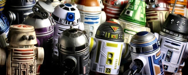 lots-of-lego-star-wars-droids