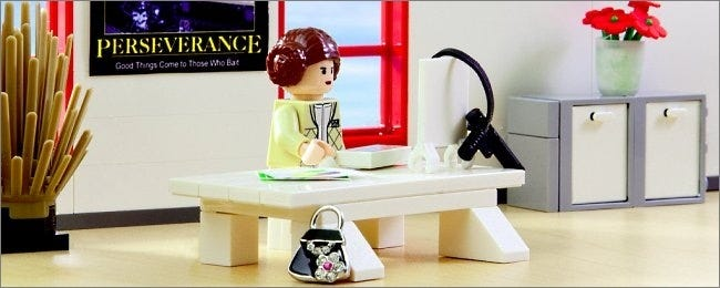 lego-leia-working-at-her-computer