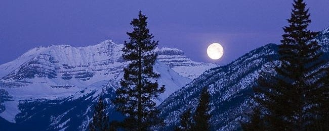 moonlit-nights-wallpaper-collection-series-two-00