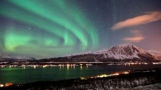 auroras-wallpaper-collection-series-two-05