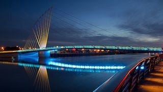 bridges-at-night-wallpaper-collection-series-two-06