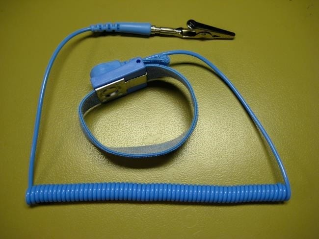 antistatic-wrist-strap
