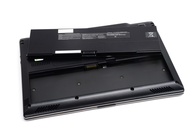 battery-removed-from-laptop