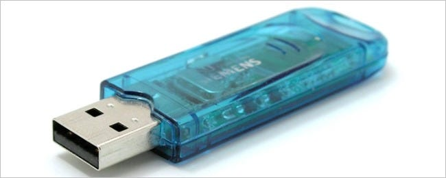 blue-jewel-case-usb-flash-drive