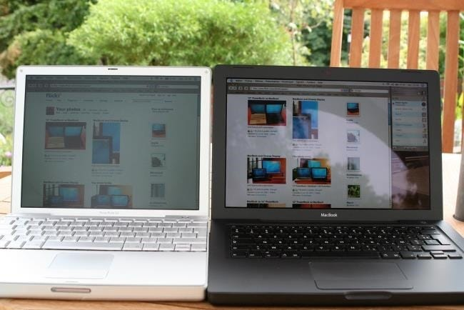 matte-vs-glossy-laptop-screens-in-the-sun