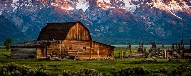 rustic-barns-wallpaper-collection-series-one-00
