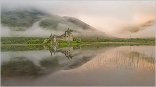 castles-wallpaper-collection-series-two-02