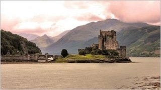 castles-wallpaper-collection-series-two-04
