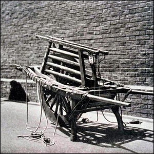 19th century example of a Chinese-style wheelbarrow