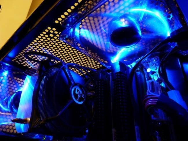 fans-with-leds-in-computer-case