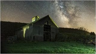 rustic-barns-wallpaper-collection-series-two-15