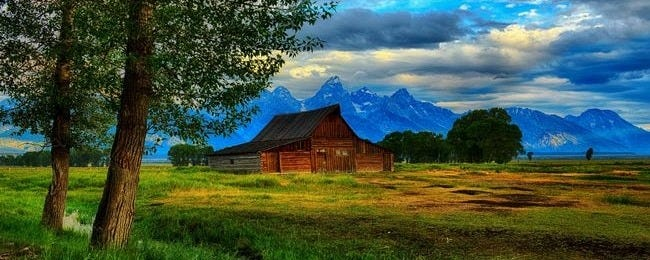 rustic-barns-wallpaper-collection-series-two-00