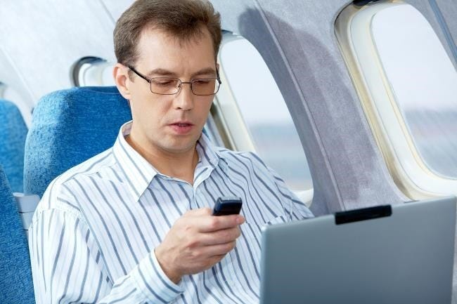 still-no-cell-phone-signals-on-airplanes