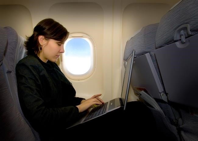 using-a-laptop-on-an-airplane