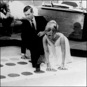 Johnny Carson and Eva Gabor playing Twister on The Tonight Show