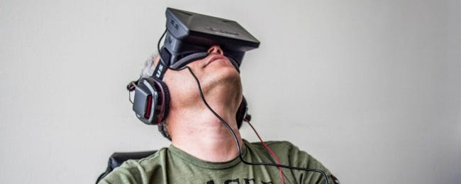 Head Mounted Displays: What's the Difference between Augmented and Virtual Reality?
