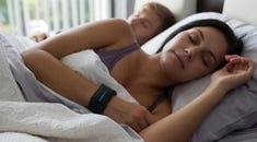 How to Reconfigure Your Sleep Cycles Using Your Smartphone or Smartwatch