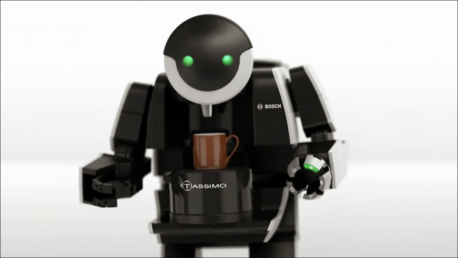 robot_coffee_machine_BrewBot-23h08m28s153
