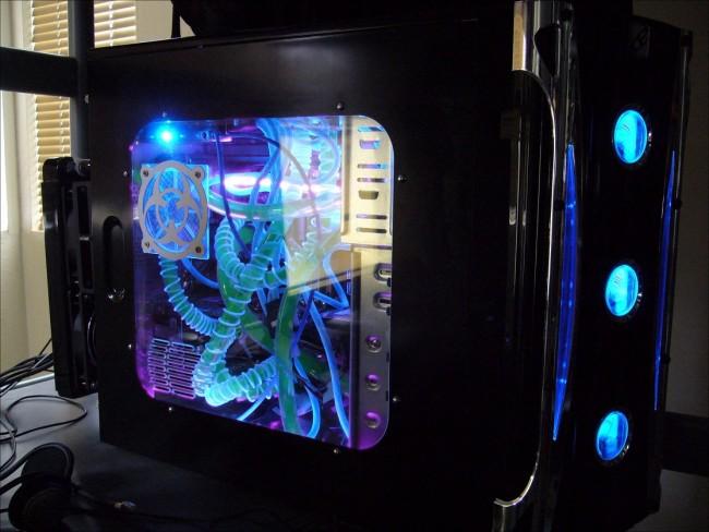 A_Neon_colored_Computer