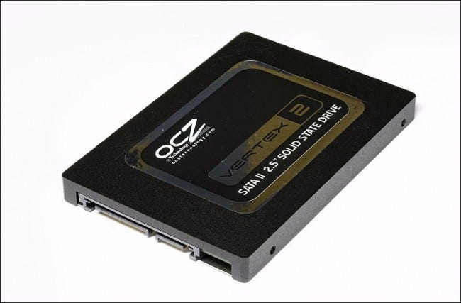 800px-Vertex_2_Solid_State_Drive_by_OCZ-top_oblique_PNr¦0307