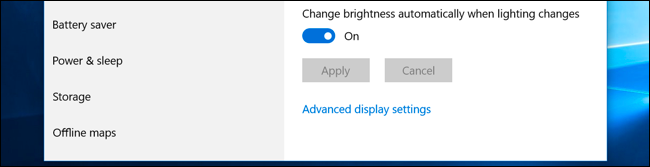 """The """"Change brightness automatically when lighting changes"""" option in Windows 10's Settings app."""