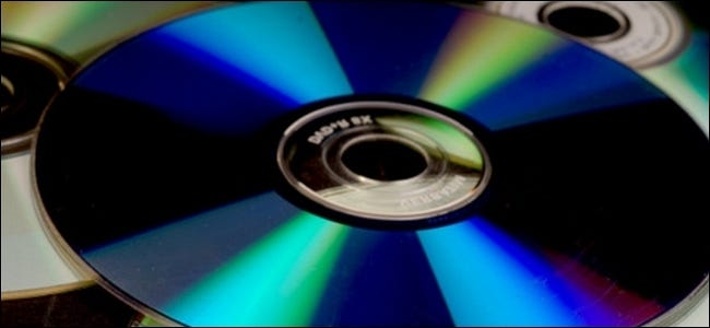 why-do-cds-and-dvds-add-data-from-the-center-outwards-00
