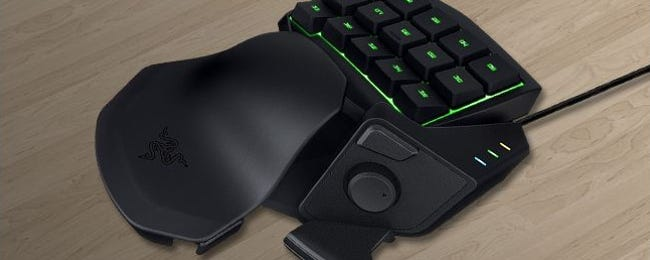 """PC Gamers, Give Left-Handed """"Gamepads"""" a Try"""