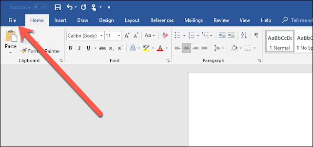"""Cliquez sur le bouton """"Fichier"""" onglet dans Microsoft Word"""