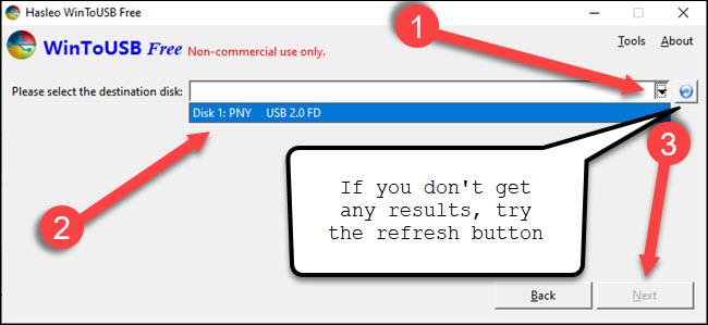 WinToUSB dialog selecting a USB drive
