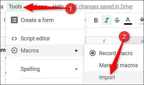 Haga clic en Herramientas> Macros> Importar para importar las macros a este documento.