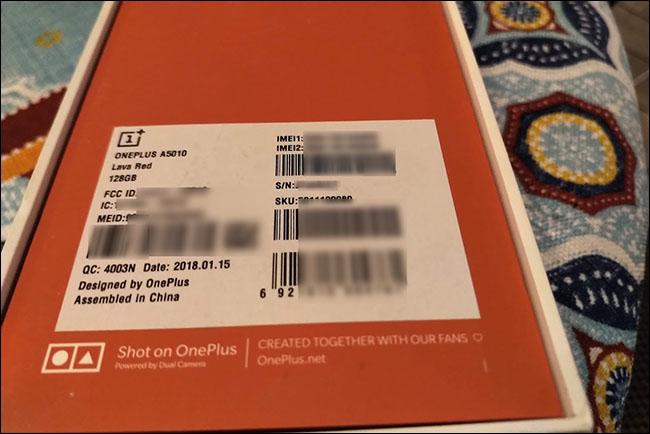 Puede encontrar su número de serie en una etiqueta en el empaque de su dispositivo