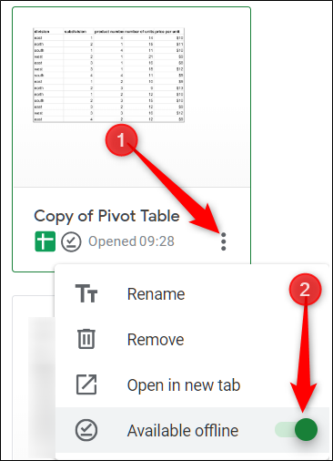 Haga clic en los tres puntos del archivo al que desea acceder sin conexión, luego cambie Disponible sin conexión a la posición Activado