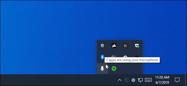 2 apps are using your microphone message on Windows 10