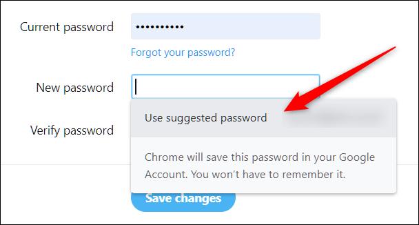 """Haga clic en """"Usar contraseña sugerida"""" para cambiar o restablecer una contraseña existente en cualquier cuenta."""