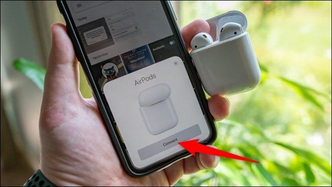 Apple iPhone Connect AirPods
