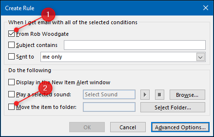 """Haga clic en la casilla de verificación junto al nombre de la persona y luego haga clic en la casilla de verificación """"Mover el elemento a la carpeta:""""."""