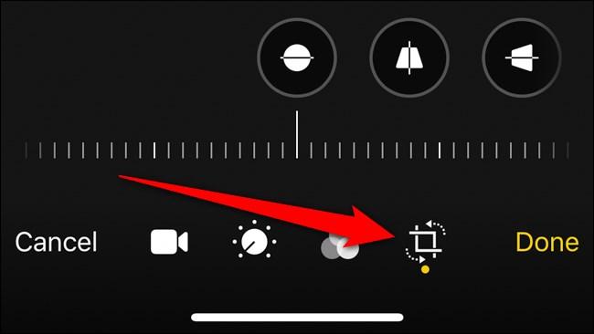 Apple iPhone Click Crop Button