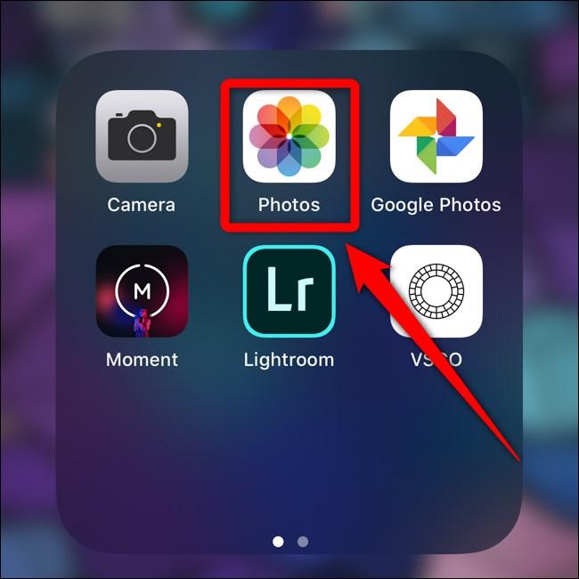 Apple iPhone Click Photos App