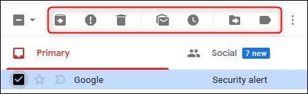 Los iconos de acción predeterminados en Gmail.