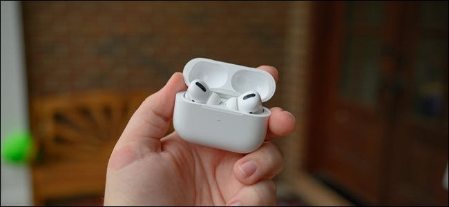 Apple AirPods Pro nyitott tok