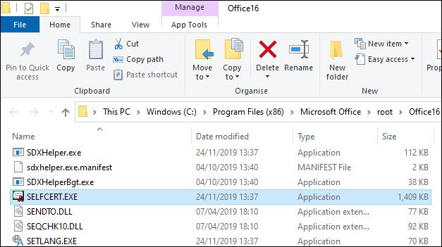 Haga doble clic en el archivo selfcert.exe en el directorio de instalación de Office para crear un certificado autofirmado para firmas digitales