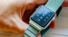 How to Unlock an Apple Watch Automatically When You Unlock Your iPhone