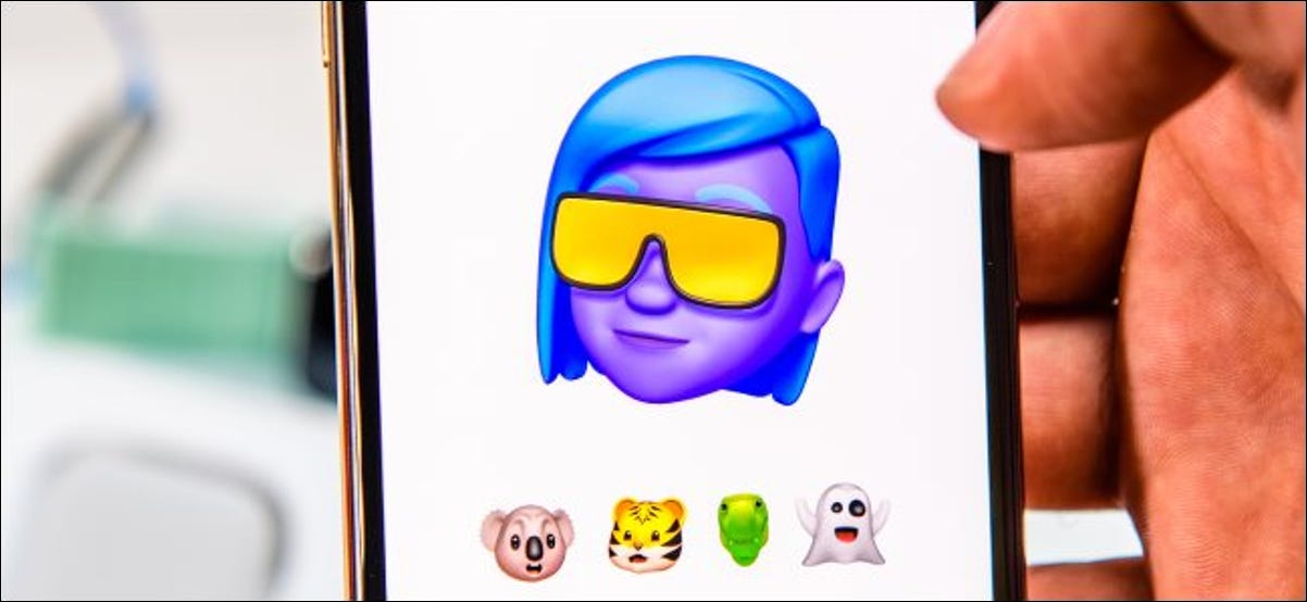 Memoji introduction on an iPhone Xs Max.
