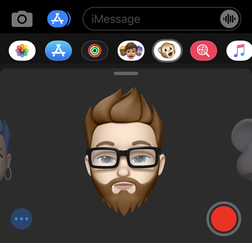 Using Memoji in iMessage using Face ID