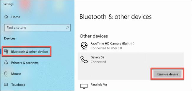 """Haga clic en """"Bluetooth y otros dispositivos"""" y luego haga clic en """"Eliminar dispositivo""""."""