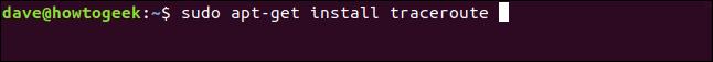 """El comando """"sudo apt-get install traceroute"""" en una ventana de terminal."""