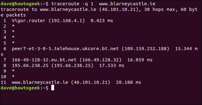 """El comando """"traceroute -q 1 blarneycastle.ie"""" en una ventana de terminal."""