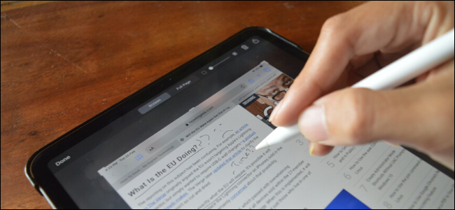 Taking and annotating a screenshot with Apple Pencil on iPad Pro
